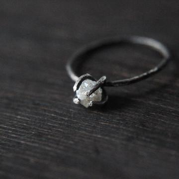 Raw Diamond Ring Tree Setting