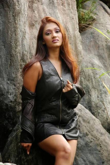 Sri Lankan Actress Upeksha Swarnamali