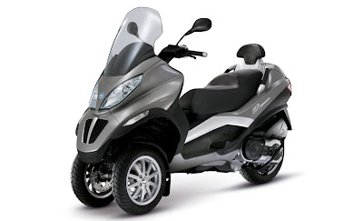 new 2011 Piaggio motorcycle MP3 400