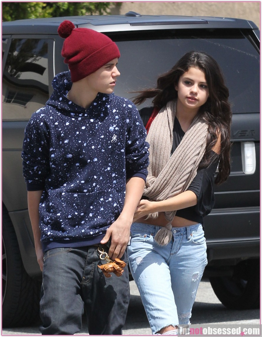 justin bieber with Selena Gomez 15