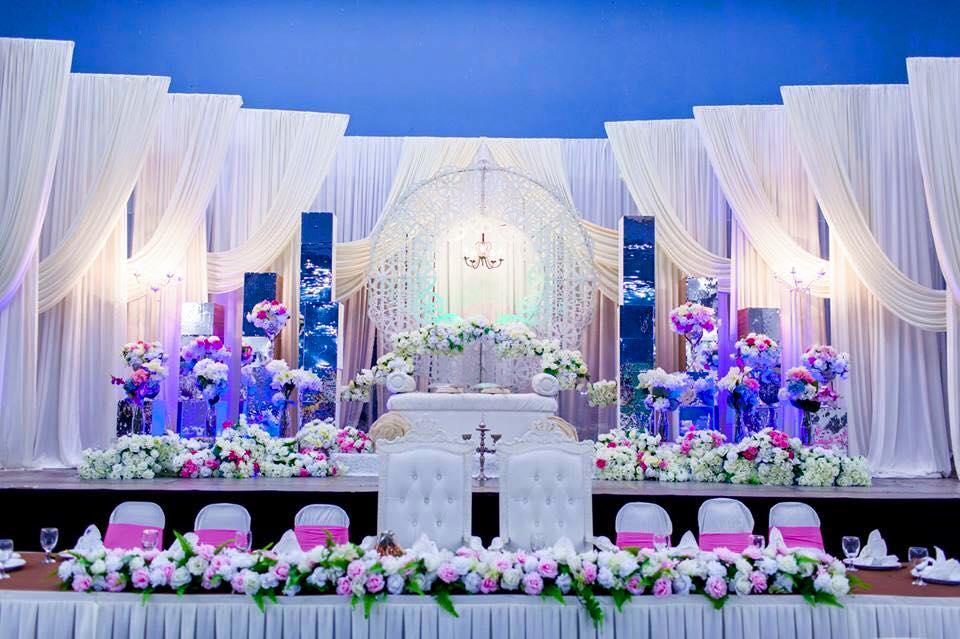 Wedding business project ayu wedding planner wedding dais junglespirit Gallery