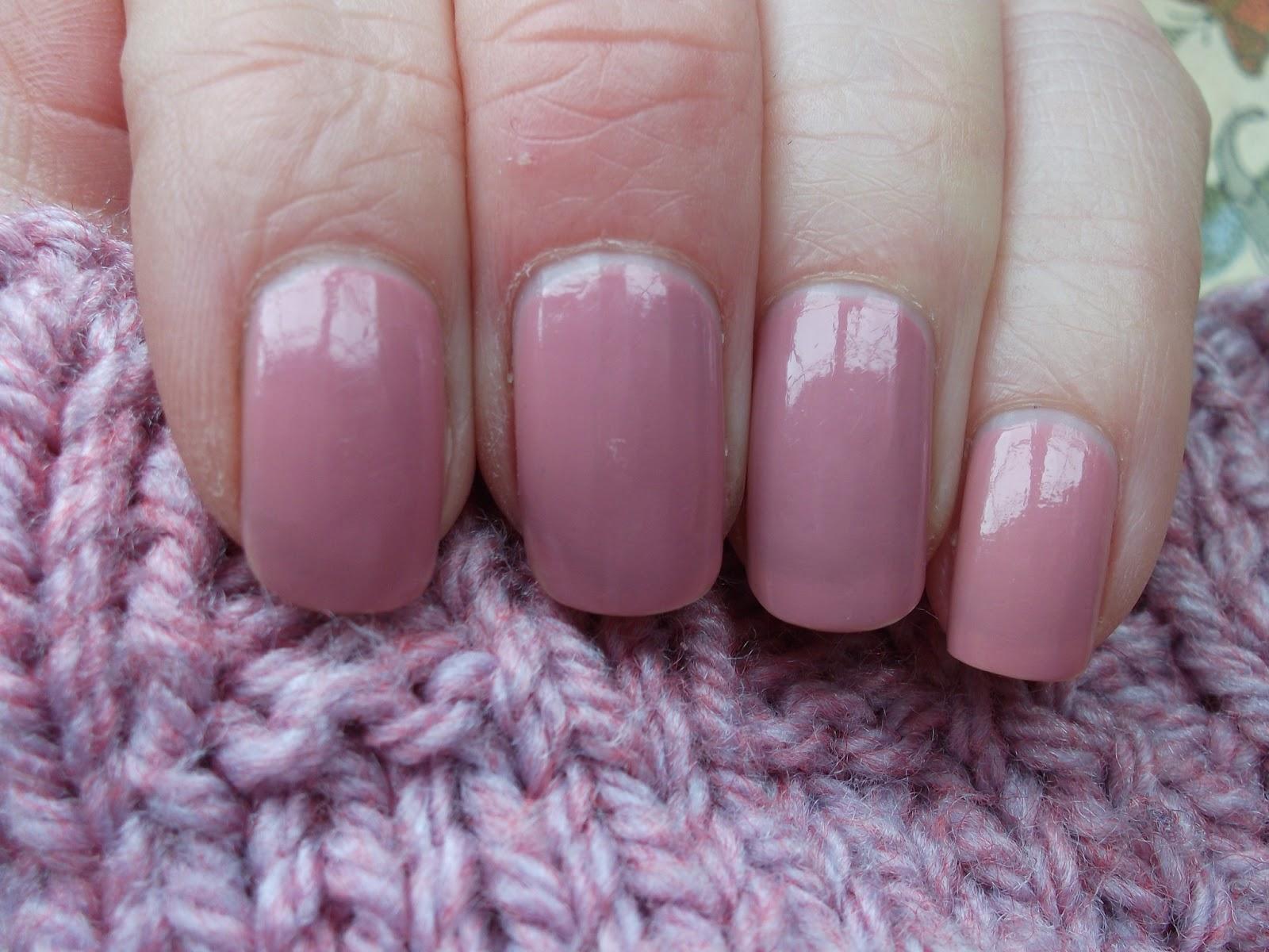 Knitty Nails: OPI Pink Nail Envy