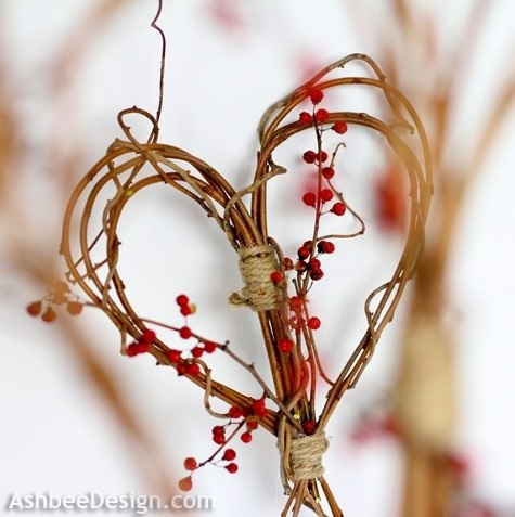 Valentine heart wreath home decorating ideas for Heart decoration ideas