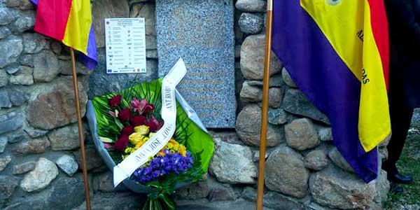 Homenaje en Francia al Comandante Robert