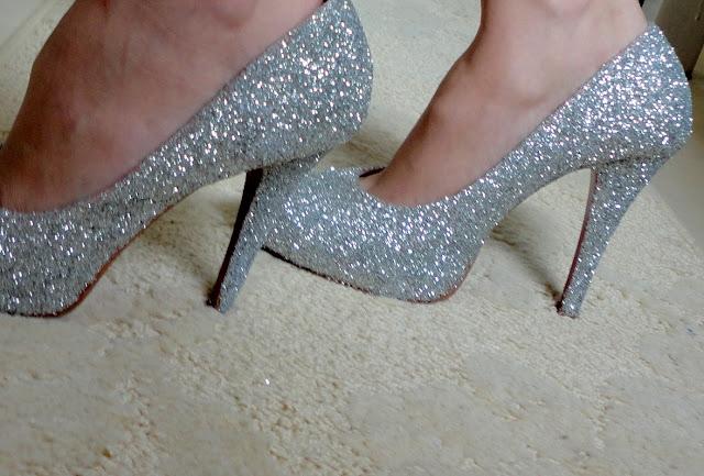 do_it_yourself_glitter_pumps_fa%C3%A7a_v