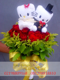 handbouquet boneka hello kitty bunga tangan