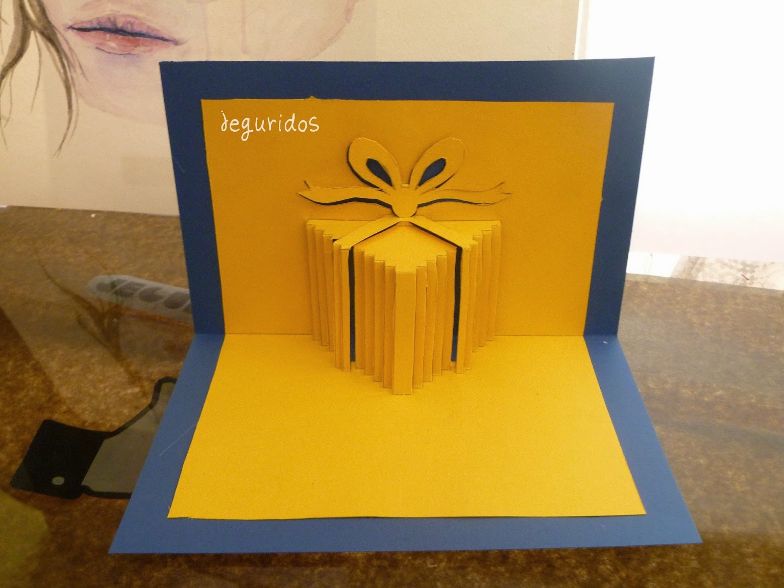 Tarjeta pop up caja de regalo cumplea os jeguridos - Como hacer un cumpleanos original ...