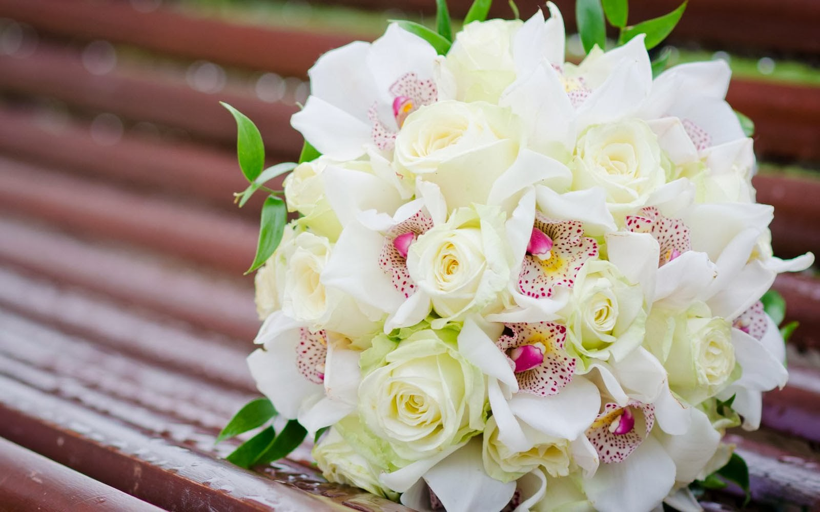White rose bouquet wallpapers 3d hd wallpapers for Bouquet roses blanches