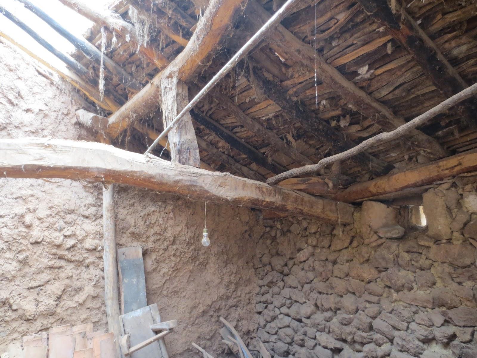 Reforma de casas antiguas top el patio antes de la - Reformas de casas antiguas ...