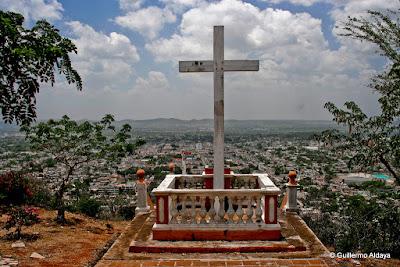 La Loma de la Cruz (Holguín, Cuba), by Guillermo Aldaya / AldayaPhoto