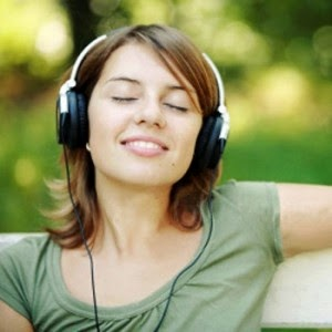 Menghilangkan stres dengan mendengarkan musik