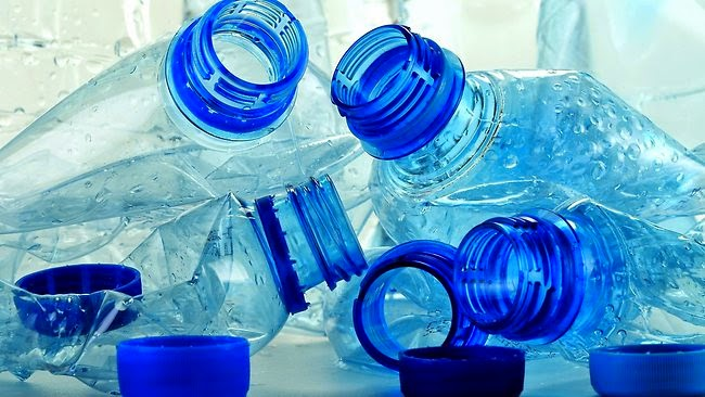 Cara Membersihkan Botol Minuman Plastik Agar tidak Bau