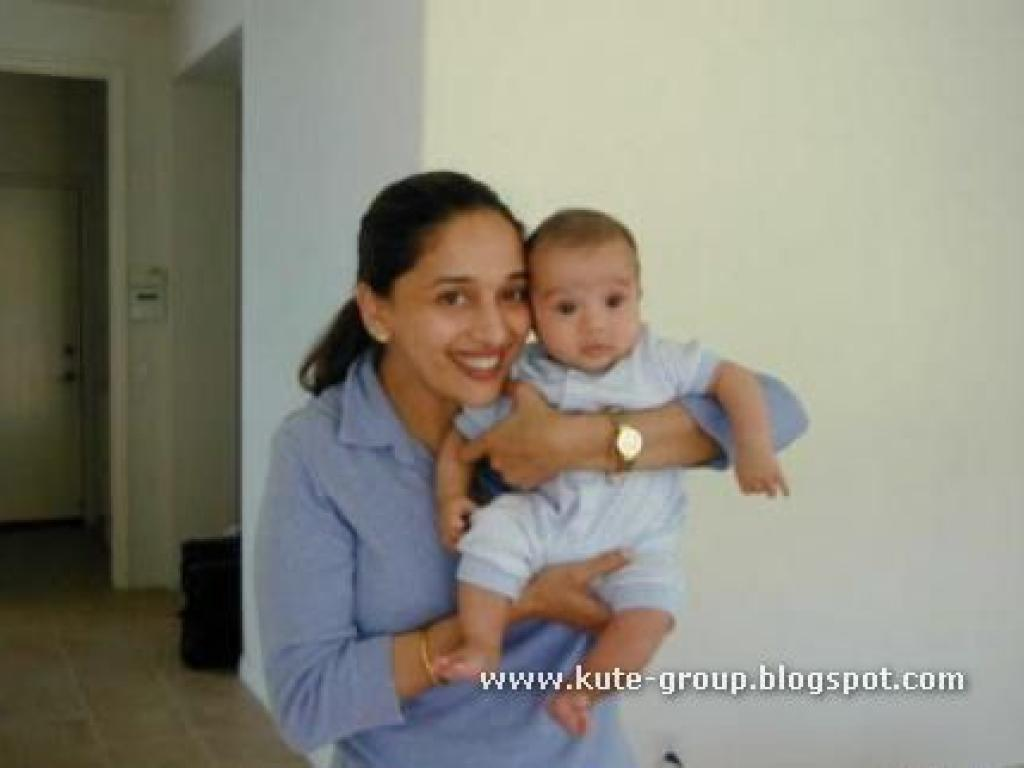 Life Is Beautiful Madhuri Dixit Amp Her Baby
