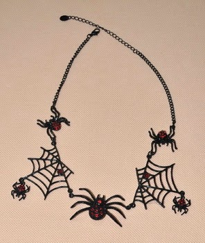 Collares y Gargantillas, Halloween