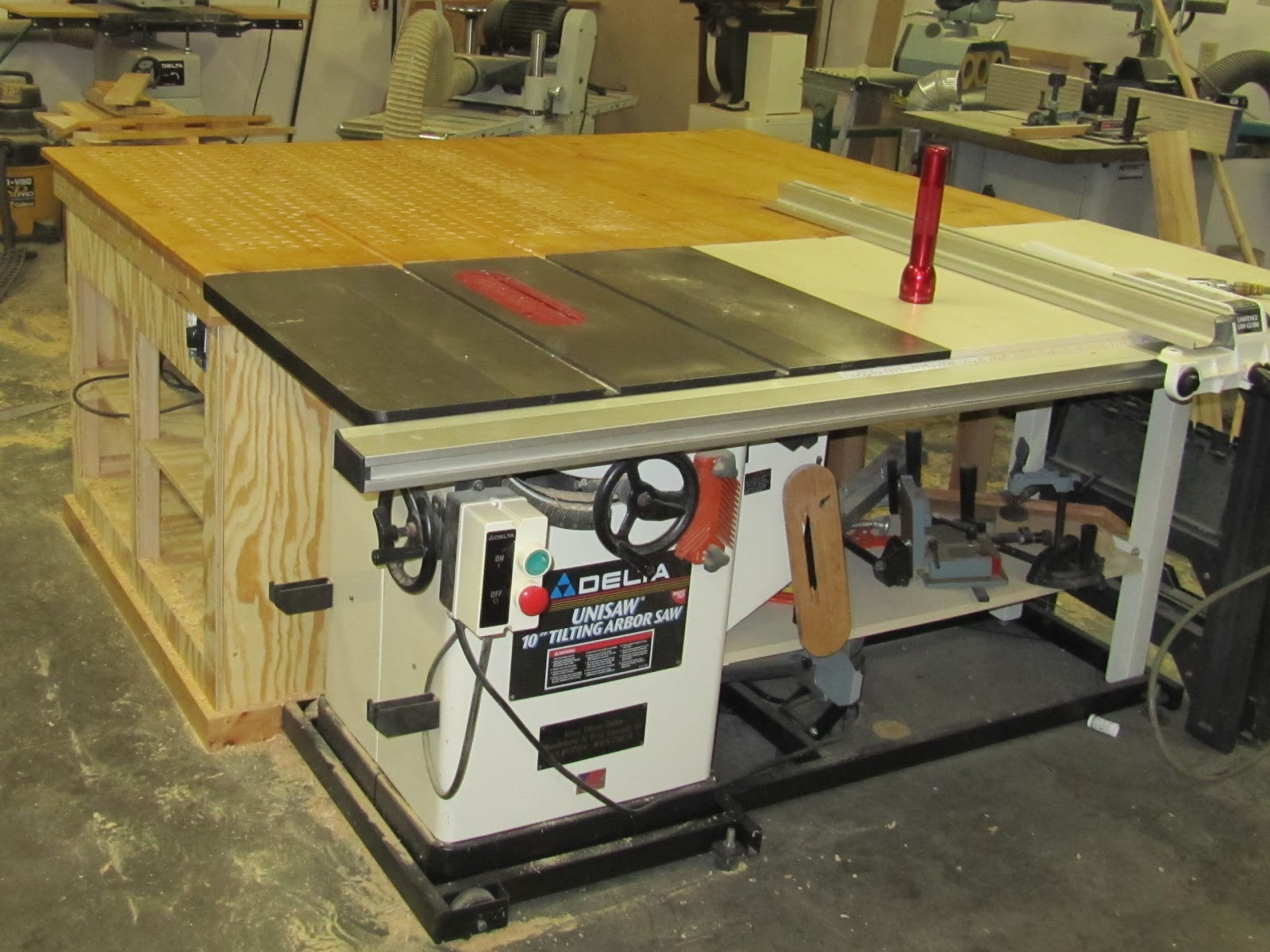 Wenthur 39 S Woodworking Blog Downdraft Table Table Saw Outfeed Table