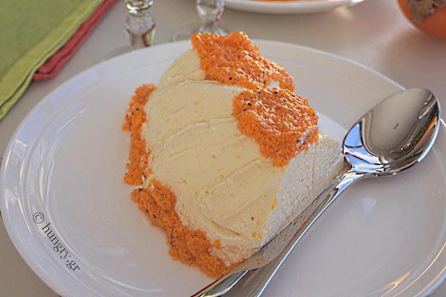 Κρέμα Μπαβαρουάζ με Σάλτσα Λωτού