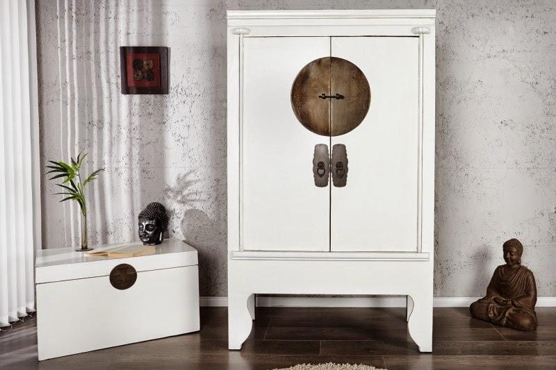 biely nabytok z masivu, luxusny nabytok biely, skrina s bielymi dverami