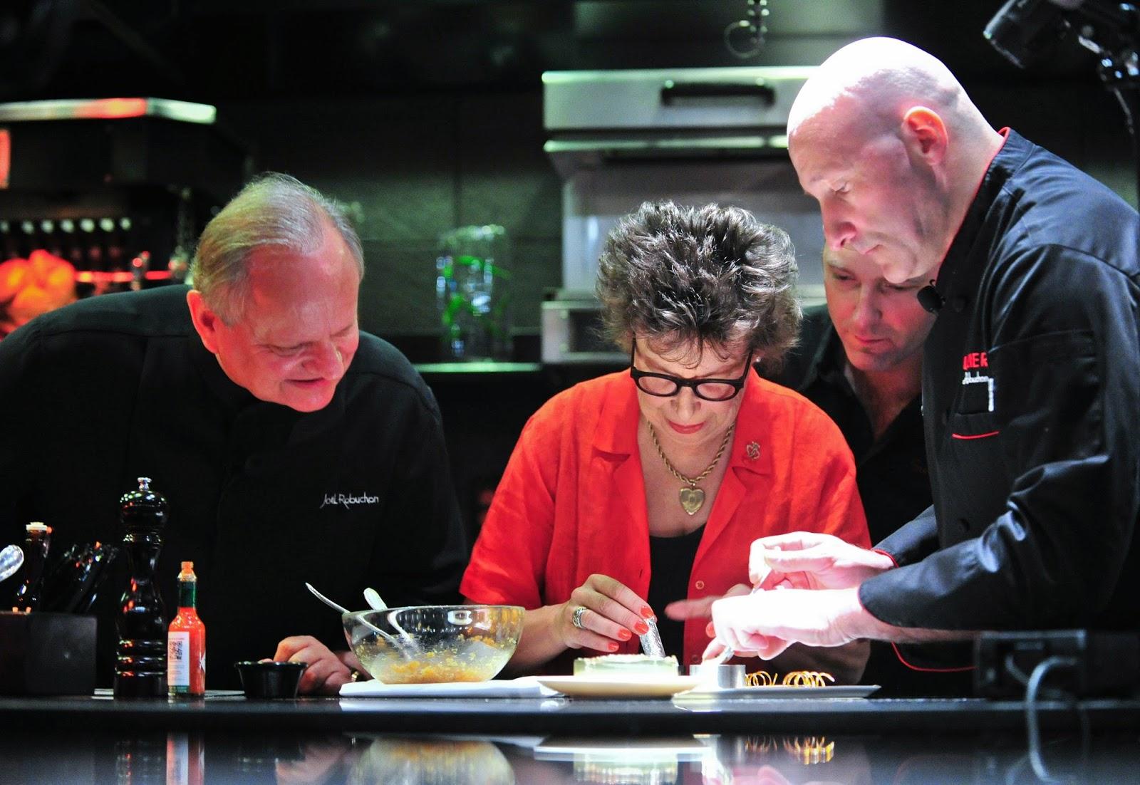 2014 Vegas UnCork'd Joel Robucvhon Cooking demo L'Atelier de Joel Robuchon