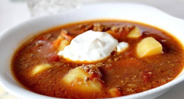 potatis och köttfärssoppa