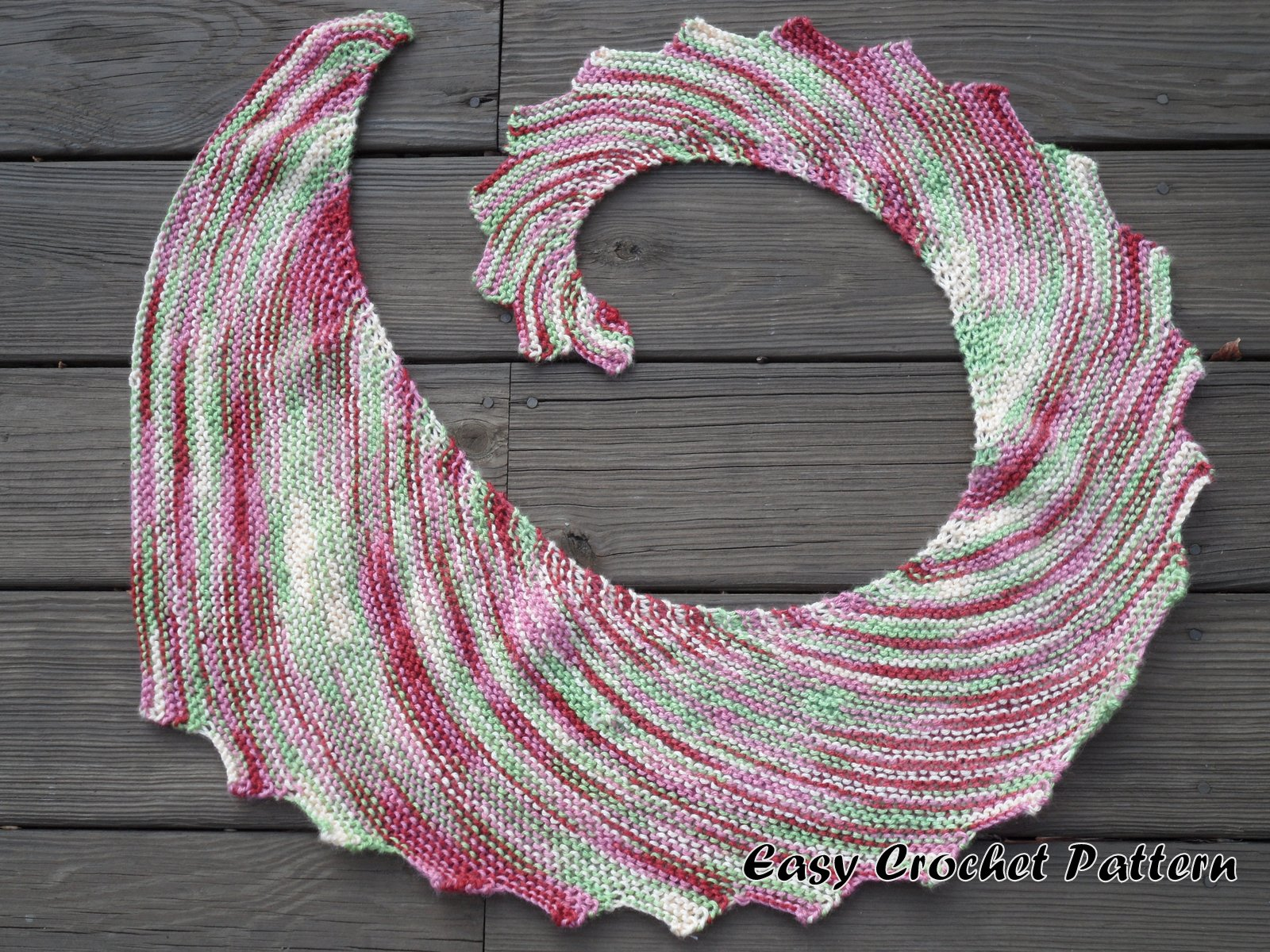 Easy Crochet Pattern: Another Dragon\'s Tail Scarf