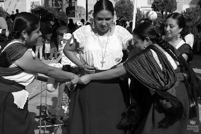 traje tradicional de tlacolula