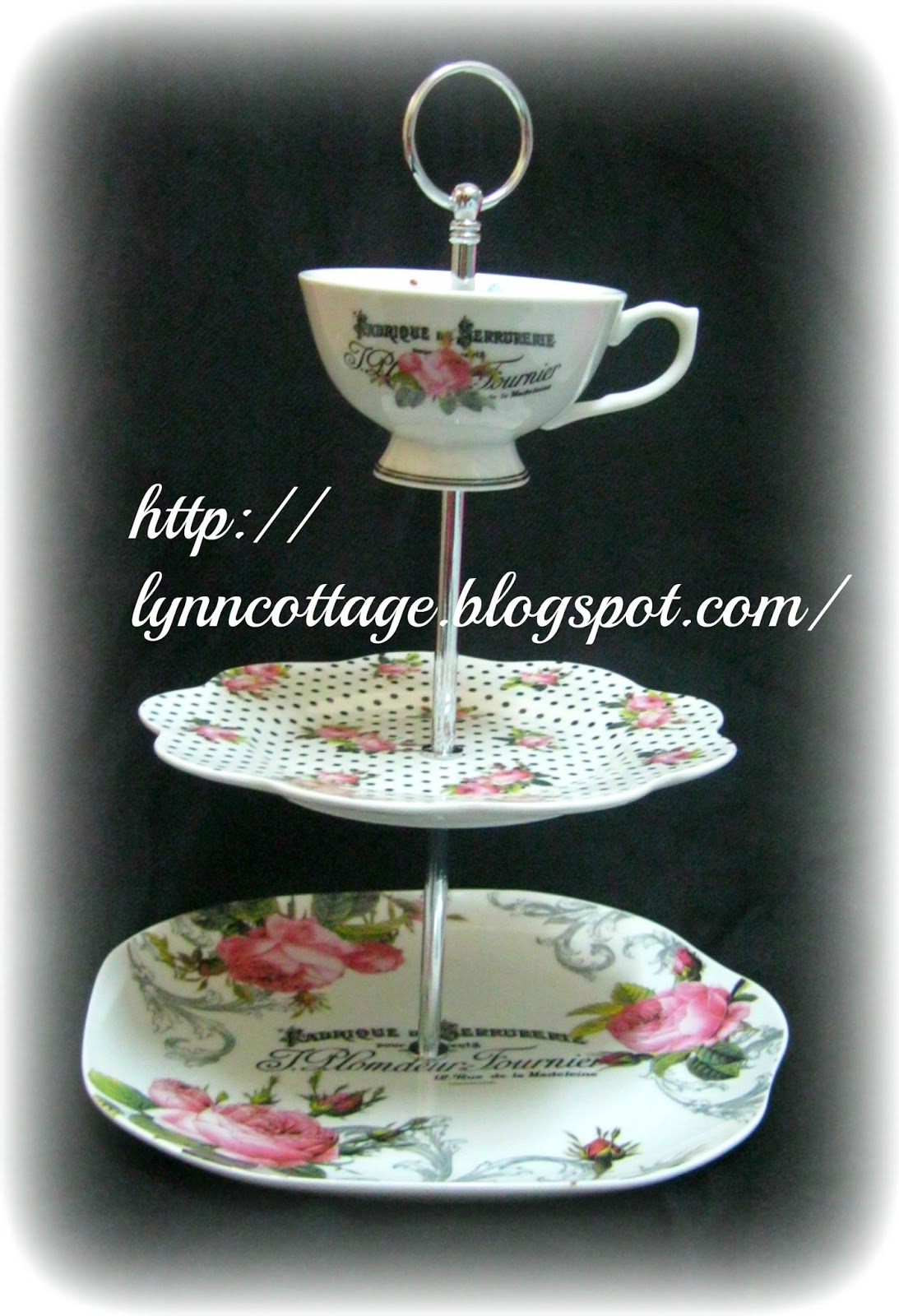 Lynn 39 s cottage 2 tier pretty cake stand cup for Pretty cake stands