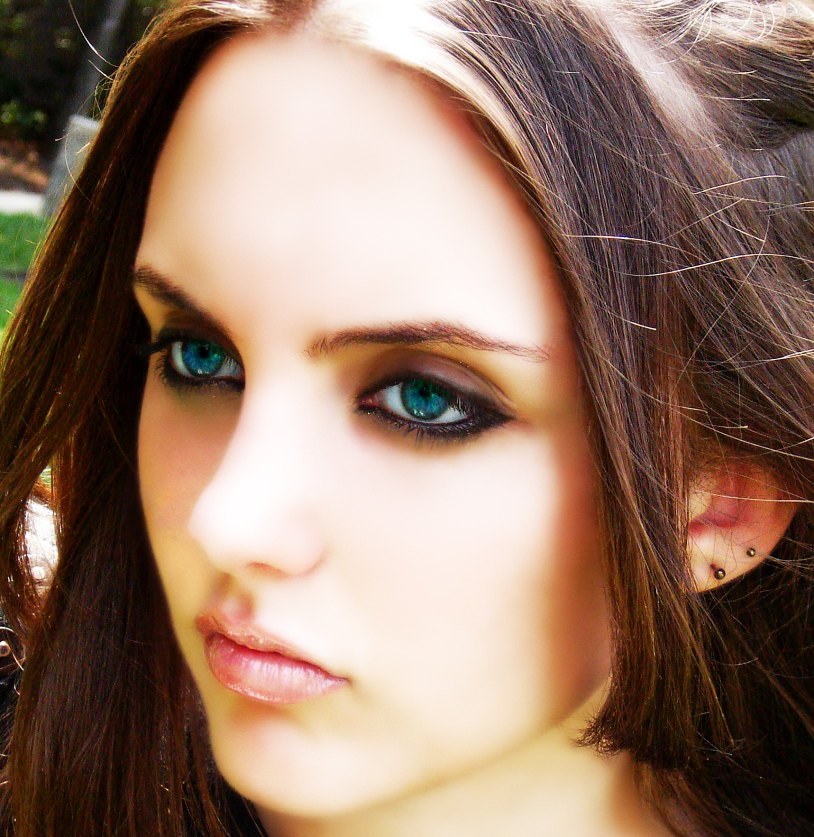 Makeup for girls with blue eyes