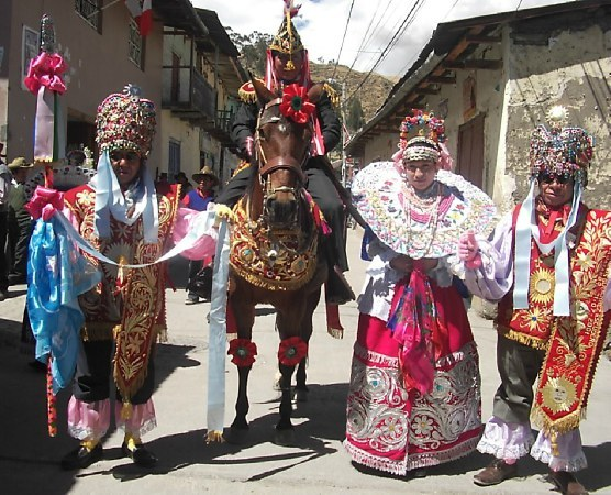 visitando indio baile cerca de Vigo