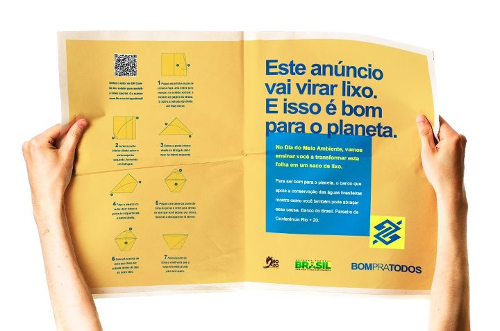 Anúncio de página dupla do Banco do Brasil em jornal