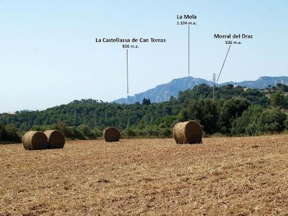 La Serra de Sant Llorenç del Munt des del trencall de l'Agulló