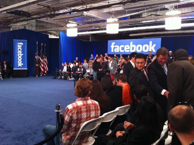 photo 2 0 [UPDATE] Foto   Foto Kunjungan Barrack Obama Ke Kantor Pusat Facebook