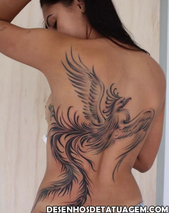 Tattoo Fenix grande nas costas