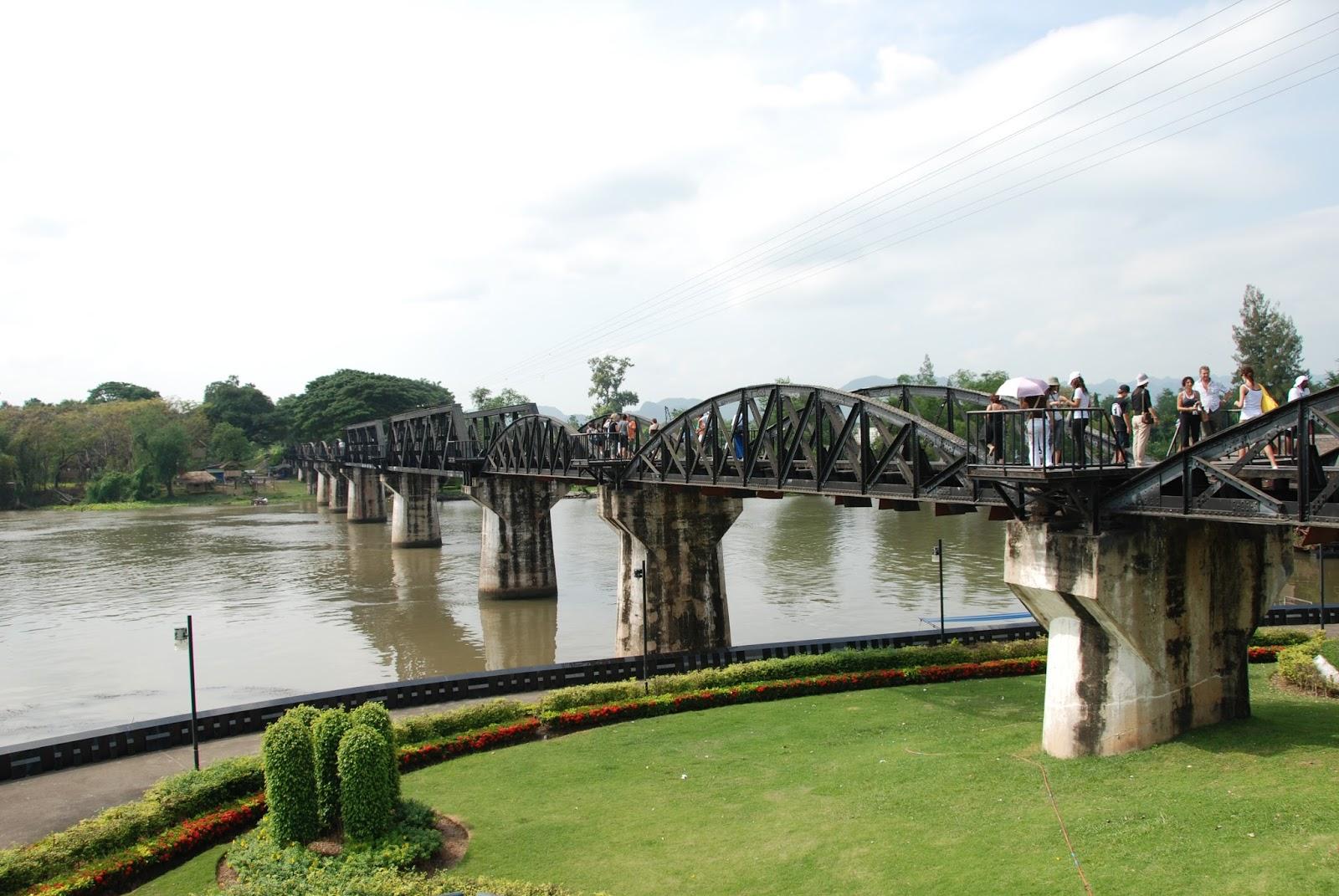 Appunti disordinati di viaggio thailandia la vera for Cabine sul bordo del fiume