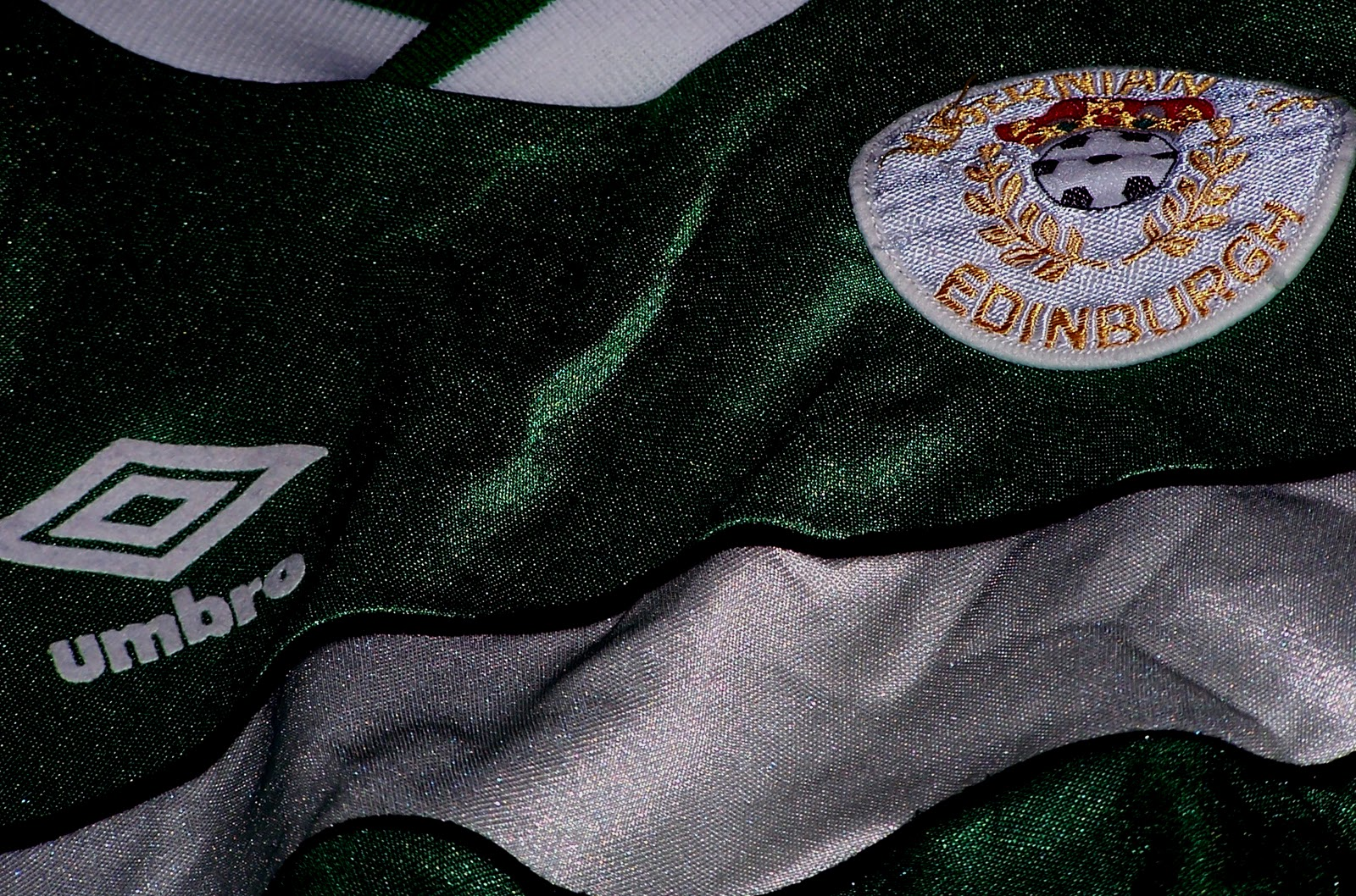 Hibs and Hearts meet at Easter Road, by Tom Hall at the Scottish Football Blog.