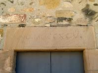 Llinda de l'entrada a l'ermita de Sant Hilari