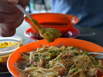 Mee-Soto-Ayam-Johor-Bahru