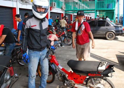Cara Modifikasi Astrea Grand Drag Style