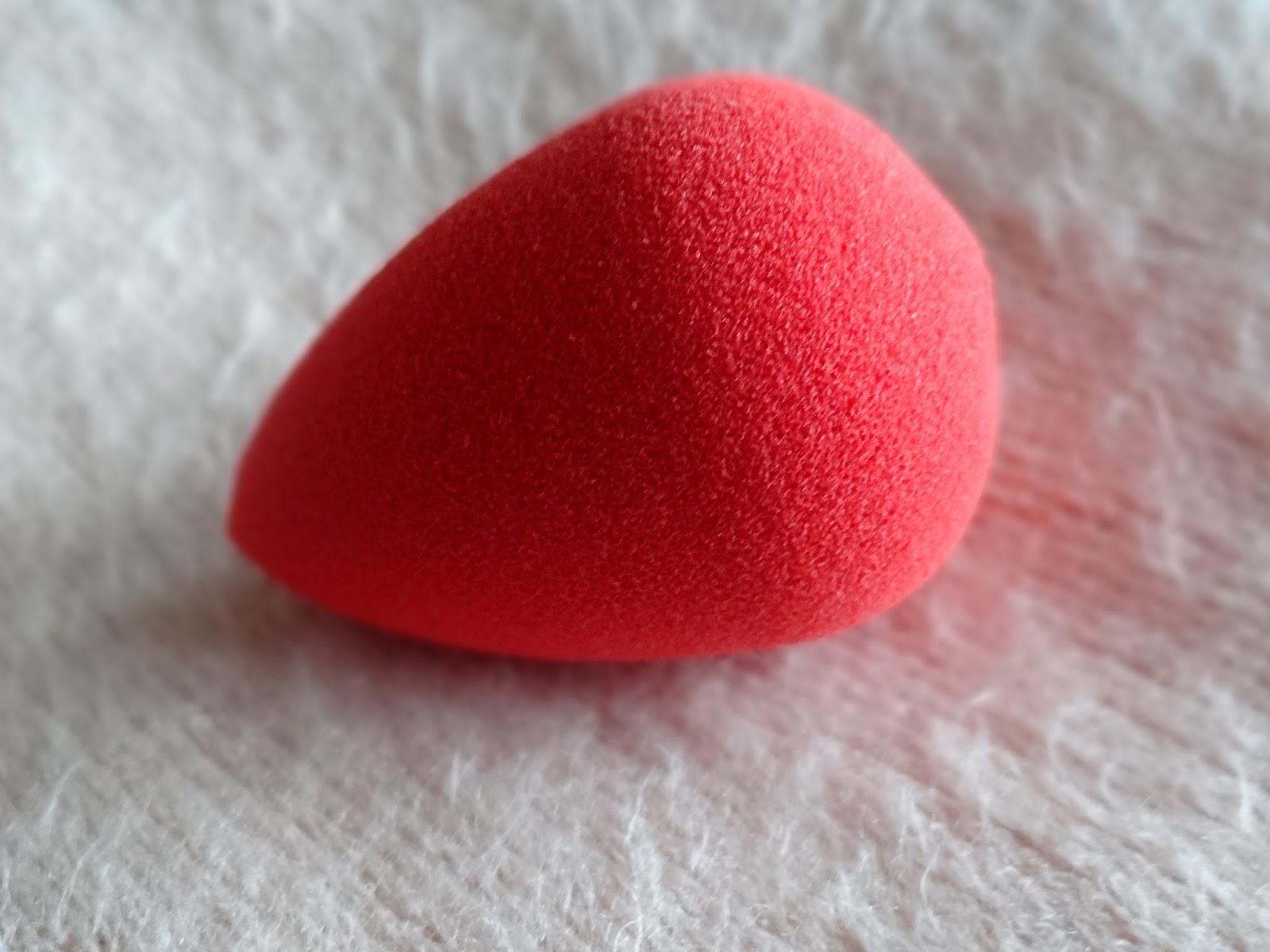 beautyblender red.carpet Makeup Sponge - Limited Edition
