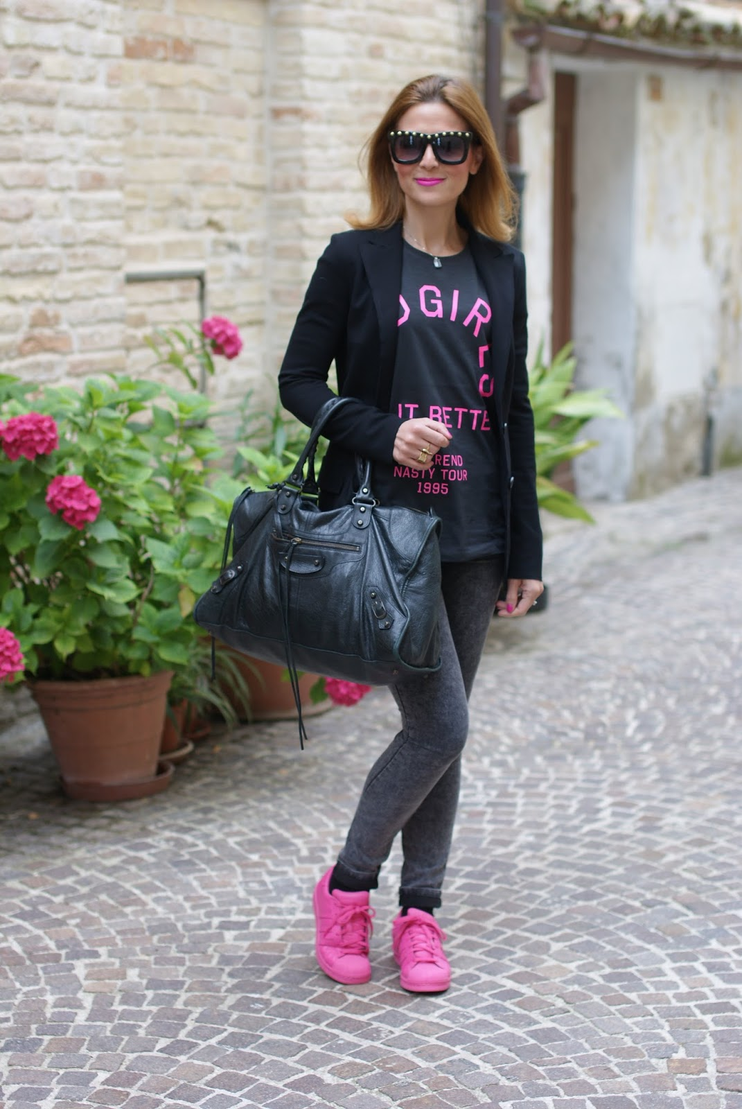 adidas supercolor semi solar pink, black Balenciaga work bag, bad girls do it better t-shirt, rock look on Fashion and Cookies fashion blog, fashion blogger style