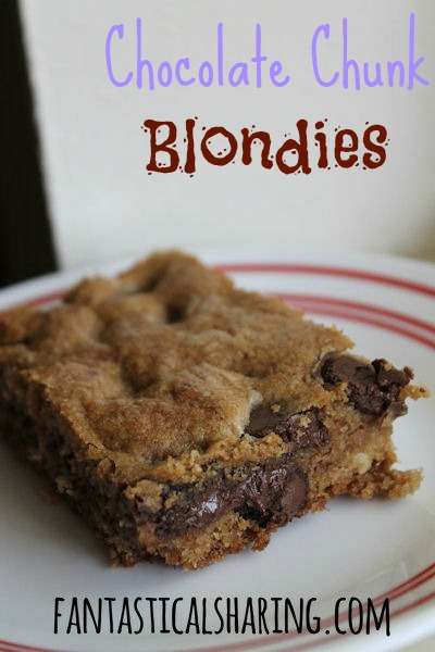 Chocolate Chunk Blondies | Foolproof soft & chewy blondies that taste like a chocolate chip cookies | www.fantasticalsharing.com