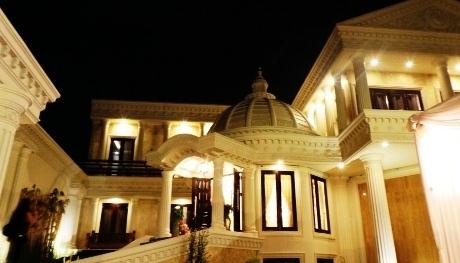 foto rumah mewah Anang