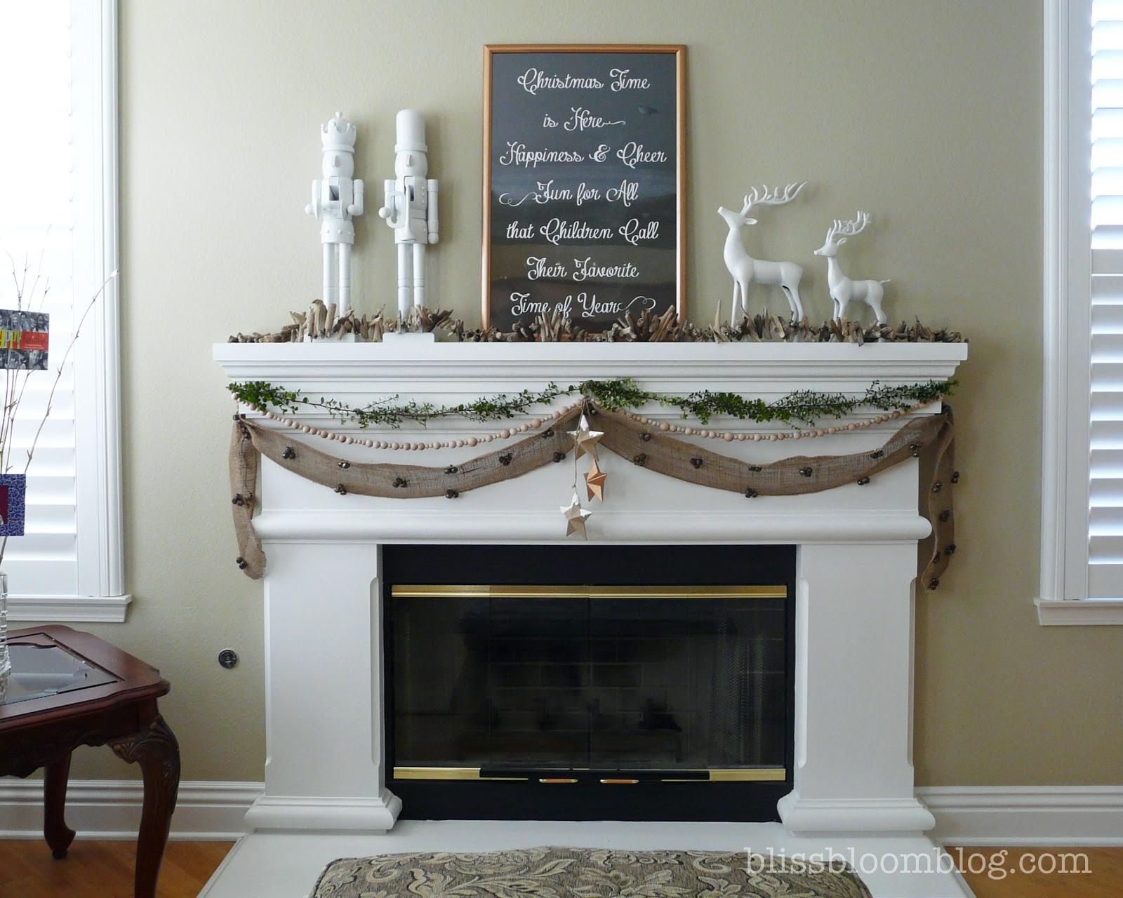 [Home] Christmas 2012 Living Room Mantel