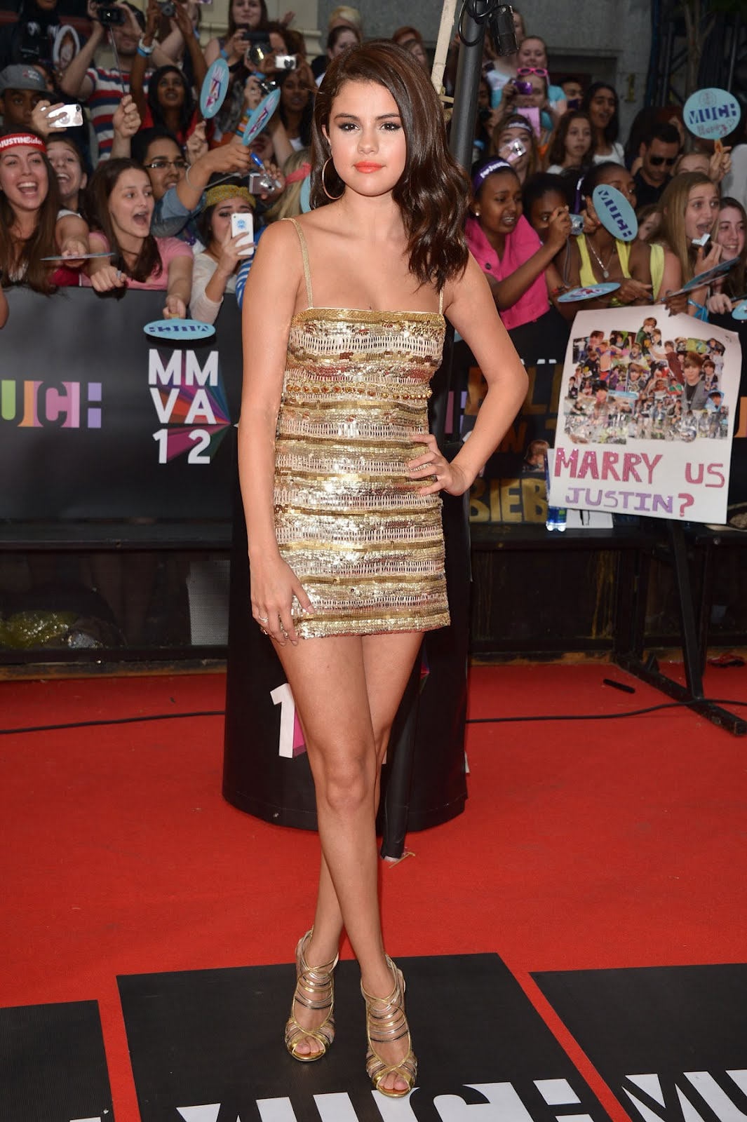 http://4.bp.blogspot.com/-CZxdSDAnW8I/T-NjTd_xdGI/AAAAAAAAHX4/MF_kt_5FQBo/s1600/SELENA-GOMEZ-at-2012-MuchMusic-Video-Awards-in-Toronto-3.jpg