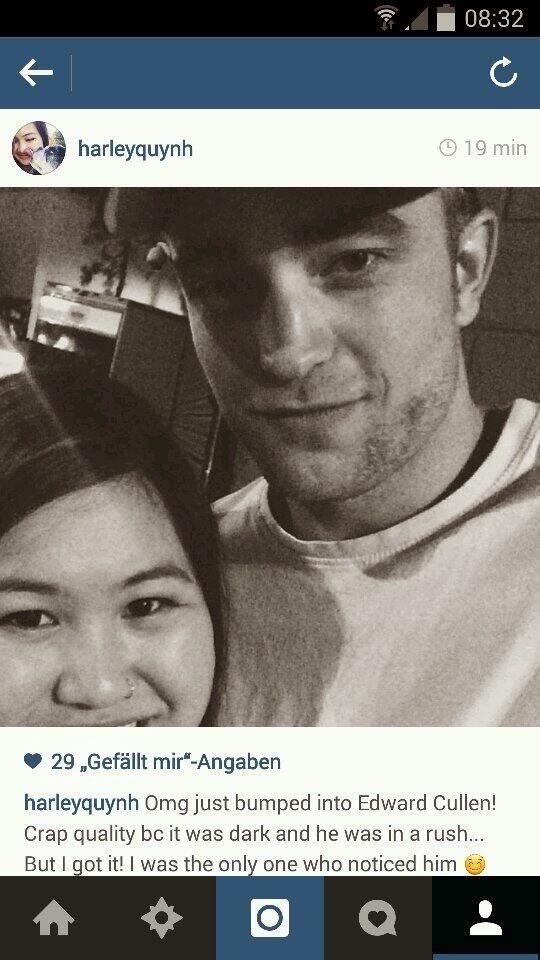 16 Abril - Nueva Foto Fan de Rob!!! (Actualizado) BlUsLHvCQAAp7xu