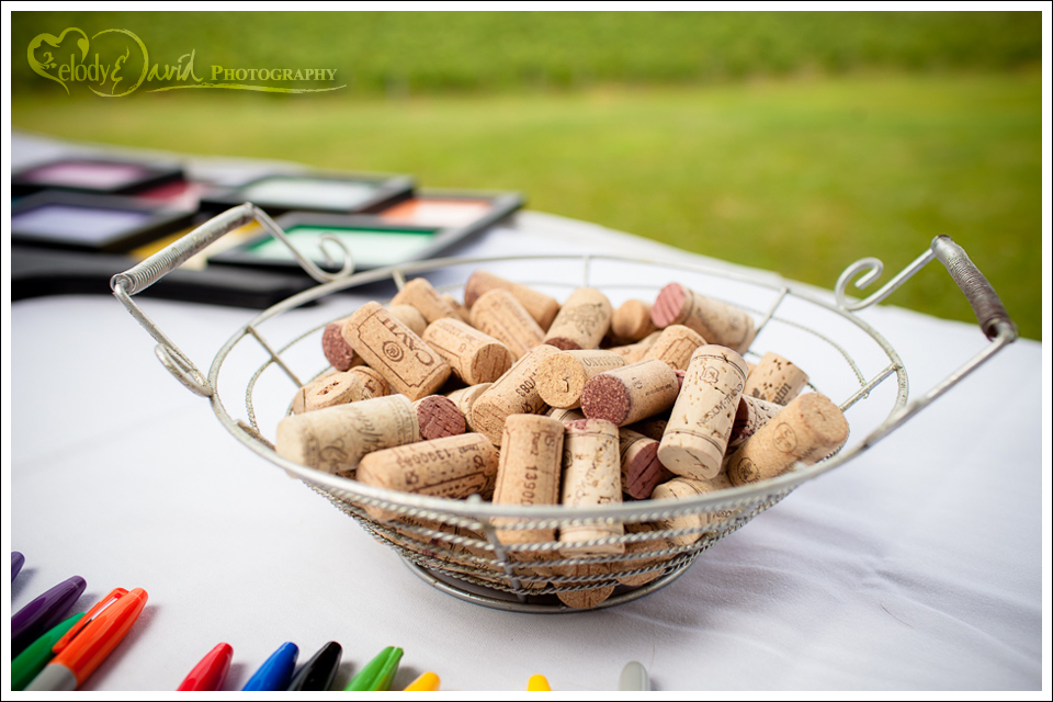 Using wine corks as your guest book