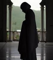 Shalat Bermanfaat untuk Ibu Hamil dan Berbahaya Bagi Wanita Haid (Fakta Ilmiah Dalam Al Qur'an)
