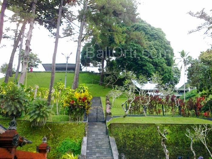 The situation in Tirta Empul Temple Gianyar, Bali Indonesia