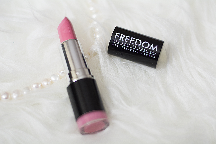 pomadka freedom makeup