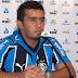 Botafogo contrata lateral-direito do Grêmio