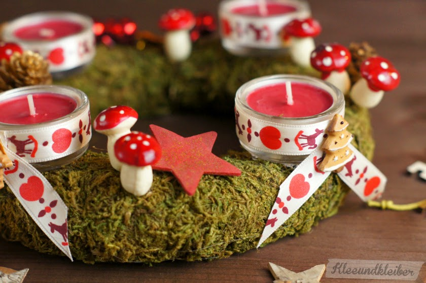 Adventskranz aus Moos mit Teelichtern DIY